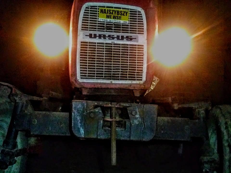 Ursus 1614 - ciężki ciągnik rolniczy